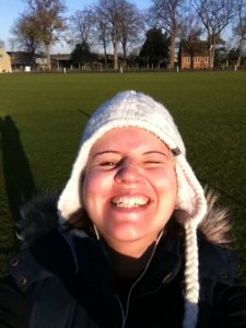 Yes, this is The Liz Weston, looking like a pirate whilst running. In a bobble hat