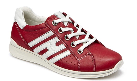 Liz Weston - PR, Social Media, Marketing type who loves her new red trainers